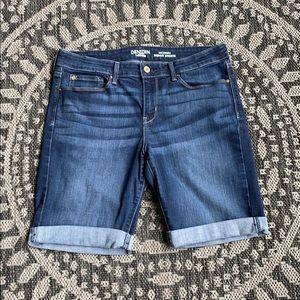 Denizen from Levi's Modern Skinny Shorts